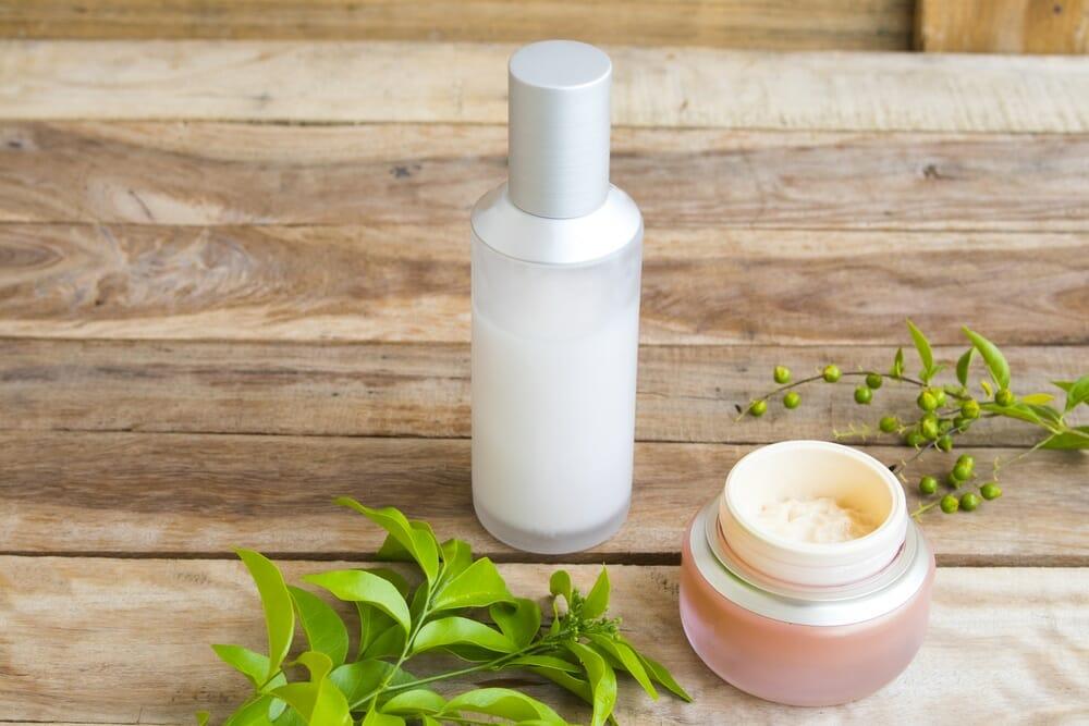 crème éclaircissante - Meilleurs crèmes et produits éclaircissants naturelle pour la peau - Guide complet - corps - guide - Natura Bon